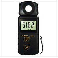 DIgital Lux Meter 1330A