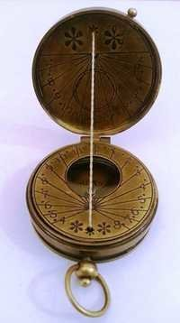 Pocket Sun Dial Compass