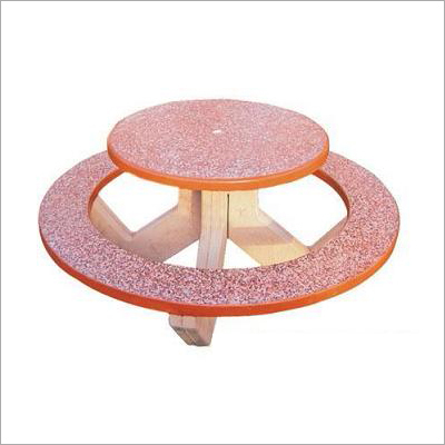 Round table withround Bench