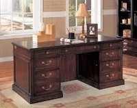 Executive Desk in Okhla
