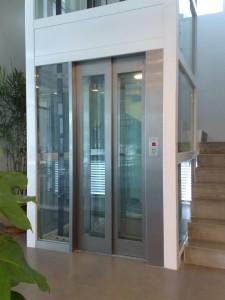 Glass Auto Door Lift