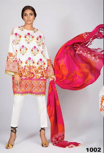 White Georgette Stylish Pakistani Salwar Suit