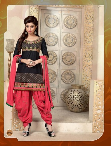 BLACK AND RED PATIALA STYLE SALWAR KAMEEZ