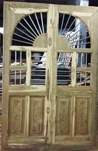 Traditional Design Wood Door With Jali