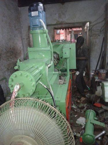 Rubber Moulding Machine