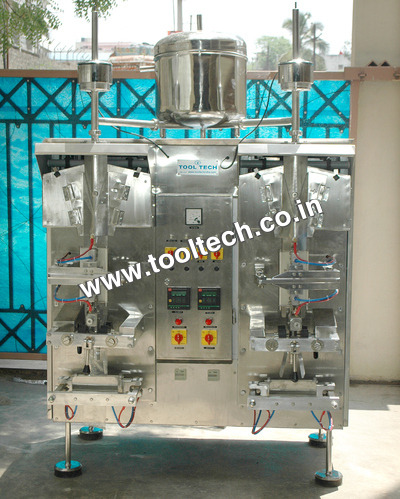 Double Head Water Packing Machine