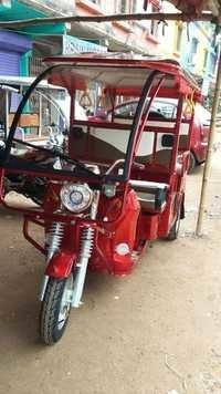 E-Rickshaw With Front Glass