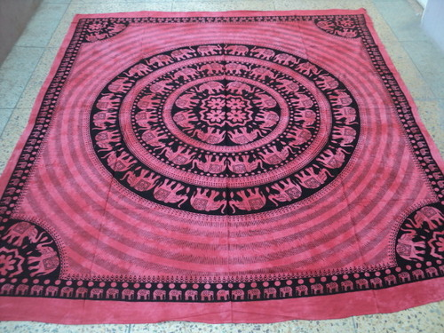 PRINTED TAPESTRY WITH FRINGES