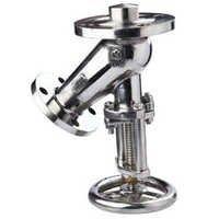 Flush bottom valve