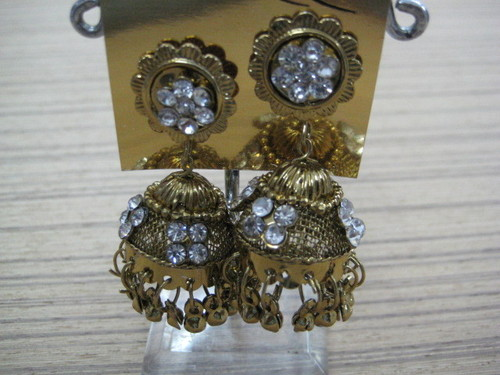 Earrings traditional