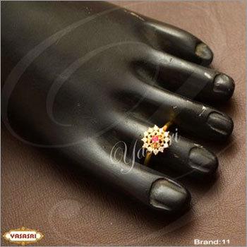 Fancy new model toe ring