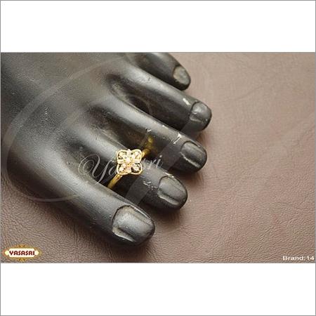 fancy model toe ring