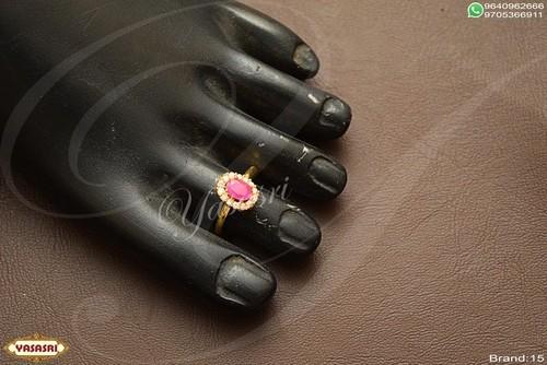 Fancy ruby toe ring