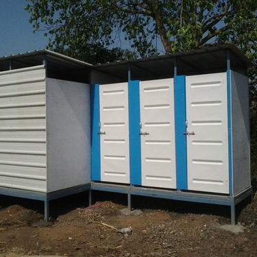 Six Seater Mobile Toilet