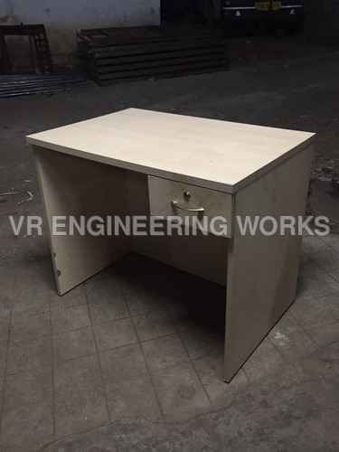 Single Seater Computer Table
