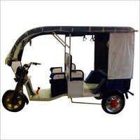 Passenger E-Rickshaw 4+1 with front glass