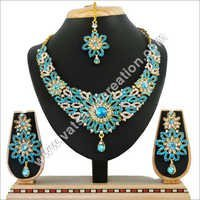 Fashionable Necklace Set