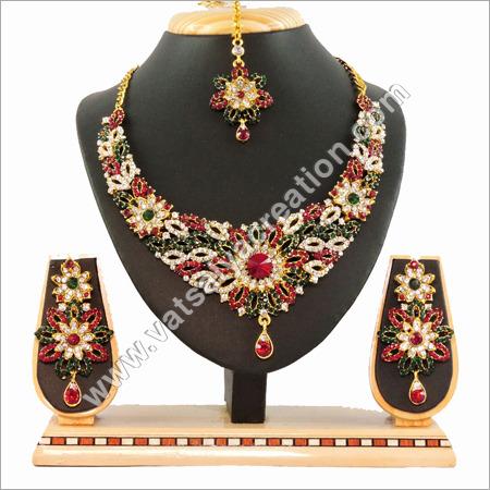 MG Necklace Set