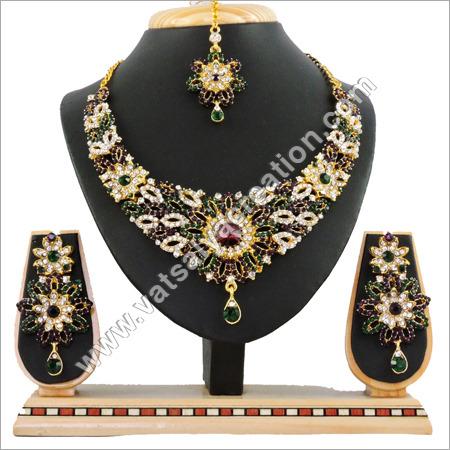 PG Necklace Set