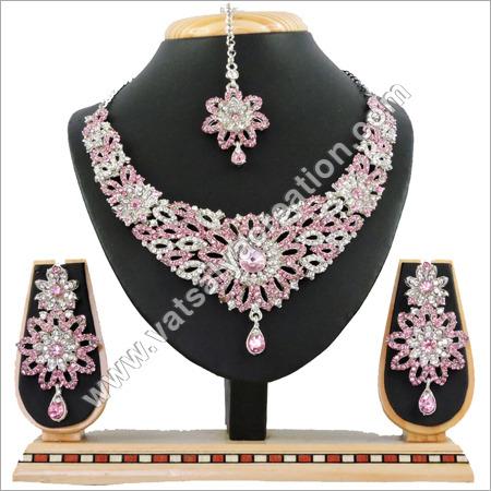 R Lpink Necklace Set