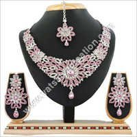 R Lpink Necklace Set