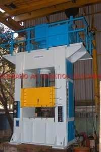 200 Ton Capacity Close Frame Hydraulic Press