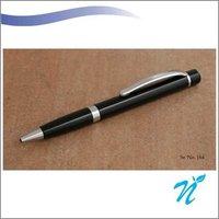 Metal pinstripe pen