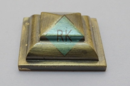 Brass Pyramid Mirror Cap