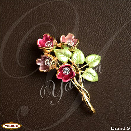 Flower Design Saree Pin