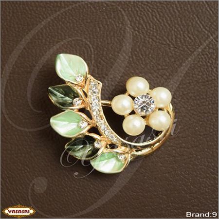 Saree pin 09