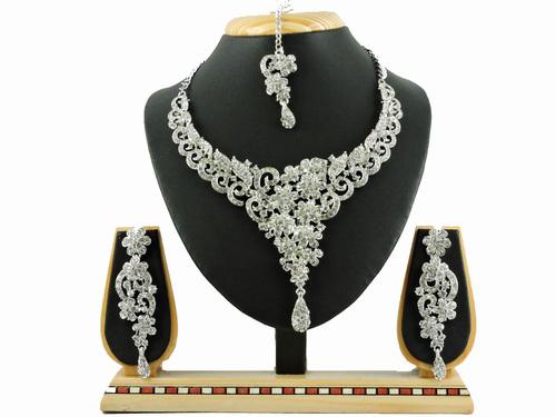 4600 RODIUM White Necklace Set
