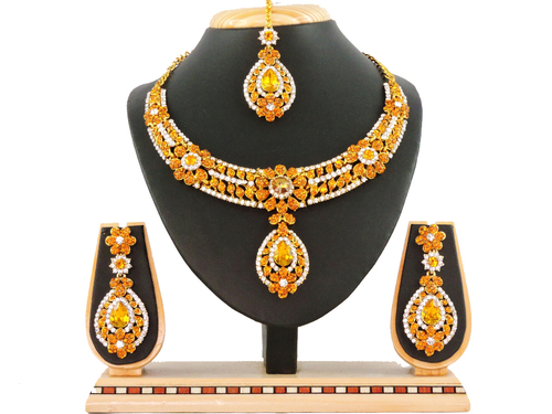 Trendy necklace sets