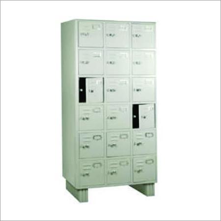 18 Locker Cabinet