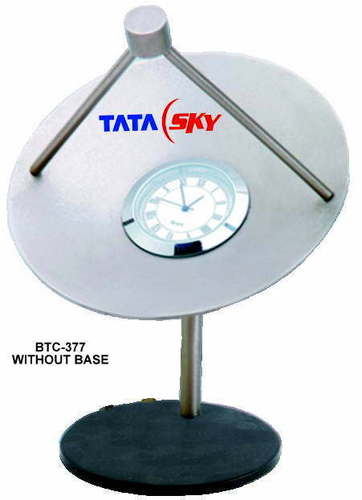 Table clock without Base