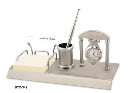 Table Clock with Pen Stand & Memo Holder