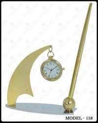 Hanging Clock Pen Stand