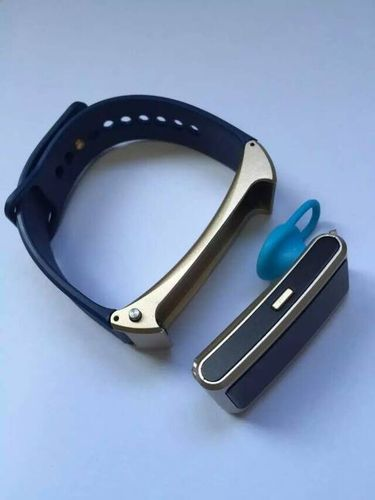 New Bluetooth Earphone Sports Smart Band Bracelet Watch