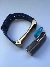 New Bluetooth Earphone Sports Smart Band Bracelet Watch