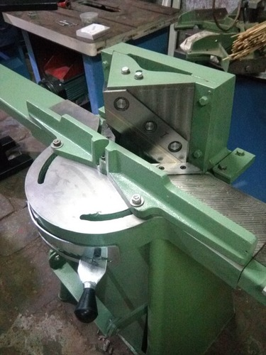 Photo Frame Cutter Machine