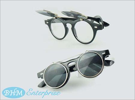 Flip Up Type Goggles