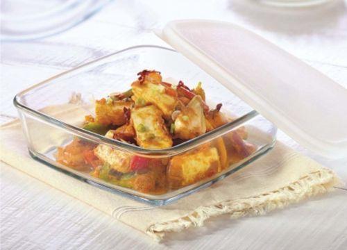 Borosil Square Cake Dish with Plastic Lid 0.5 L