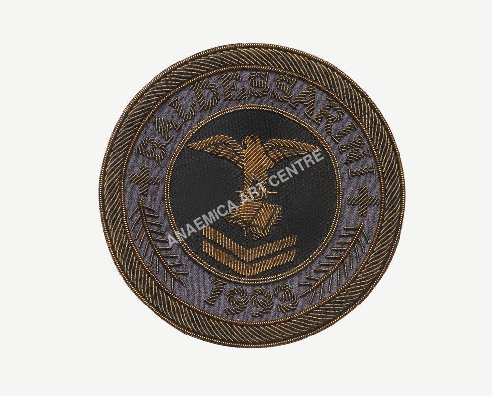 Baldessarin crest metal thread