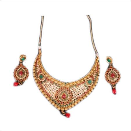 Ladies Kundan Necklace Set