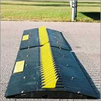 Manual Spike Barrier
