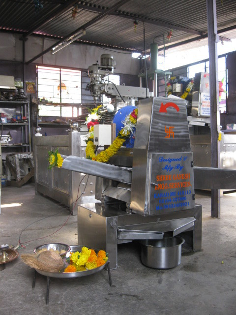 3HP 3 roller  all S.S. TABLE TOP sugarcane crusher