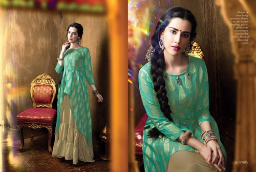 Woman Wear Kurtis