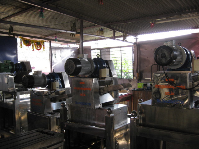 3 hp & 5 hp table top all S.S. Sugarcane Crusher
