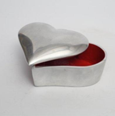 心脏形状首饰盒