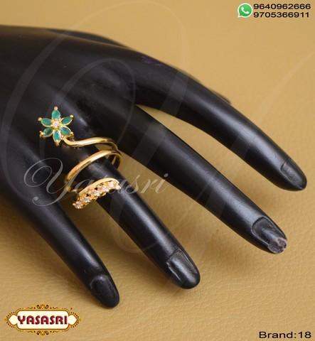 Green Stone Finger Ring