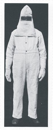 HEAT RESISTANT SAFETY SUIT